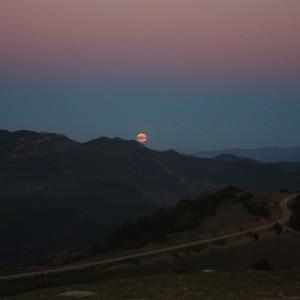 Luna llena saliendo por Guara
